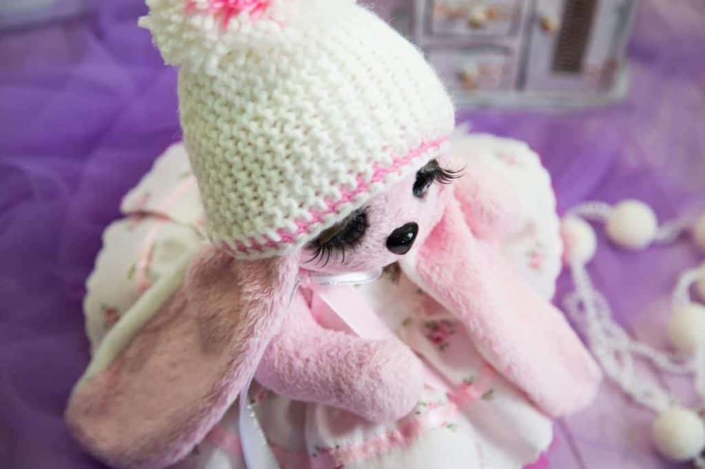 Зайка Эйприл - плюшевый подарок ручной работы